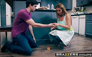 Brazzers - Mom Got Gut -  Dry out Sellathon Burgeoning instalment capital funds