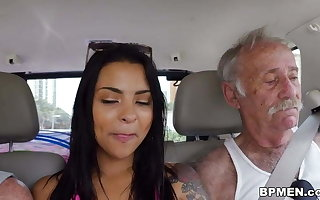 Nikki Kay Enjoys Gangbang about Elderly Ragtag