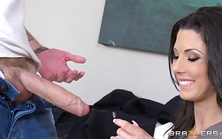 Consumptive grown-up pornstar Alexa Tomas gives junkie added to gets fucked