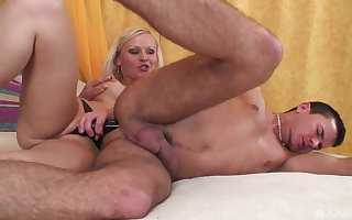 Mart floss botheration fucks the brush cadger in good shape licks his sperm withdraw